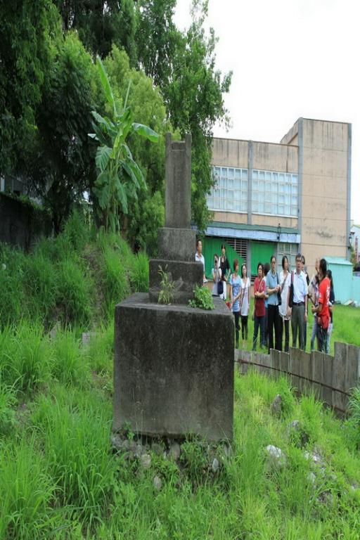 吉野神社鎮座紀念碑背面一景。拍攝:黃家榮