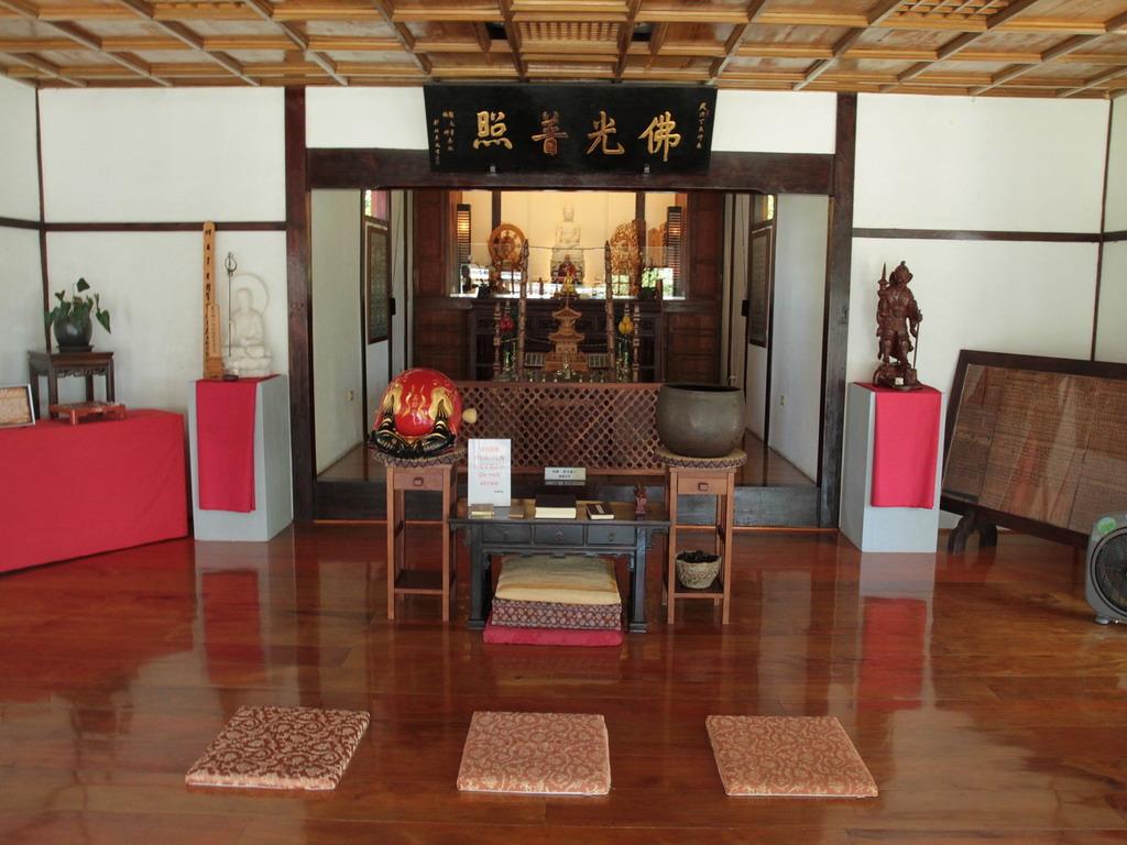吉安慶修院本殿內外陣空間一景。拍攝:黃家榮