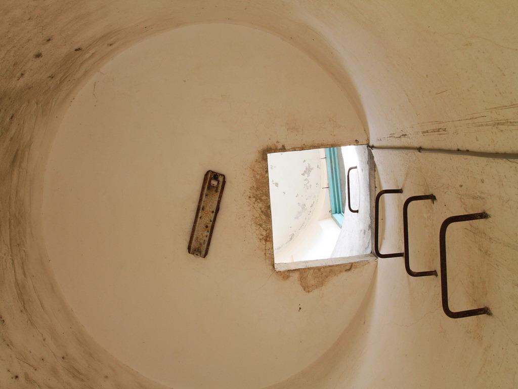 花蓮舊監獄遺蹟-靠近花蓮市中山路及明智路口處的瞭望台內一景。  拍攝:黃家榮
