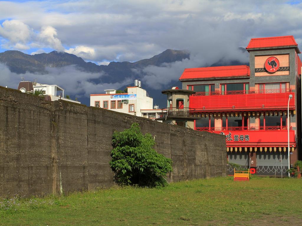 花蓮舊監獄遺蹟-靠近明智街處的圍牆一景  拍攝:黃家榮
