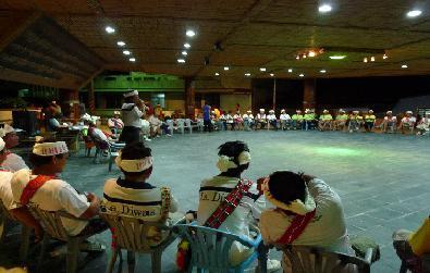 八月五日上午和晚間召開部落會議