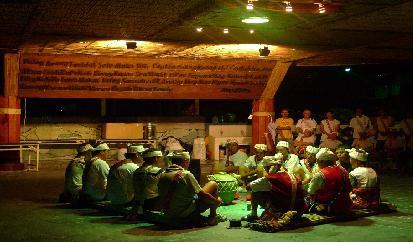 八月五日晚間2330祭祖迎靈