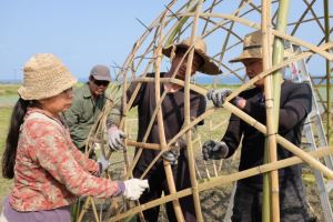 更密實的竹編穿插編織