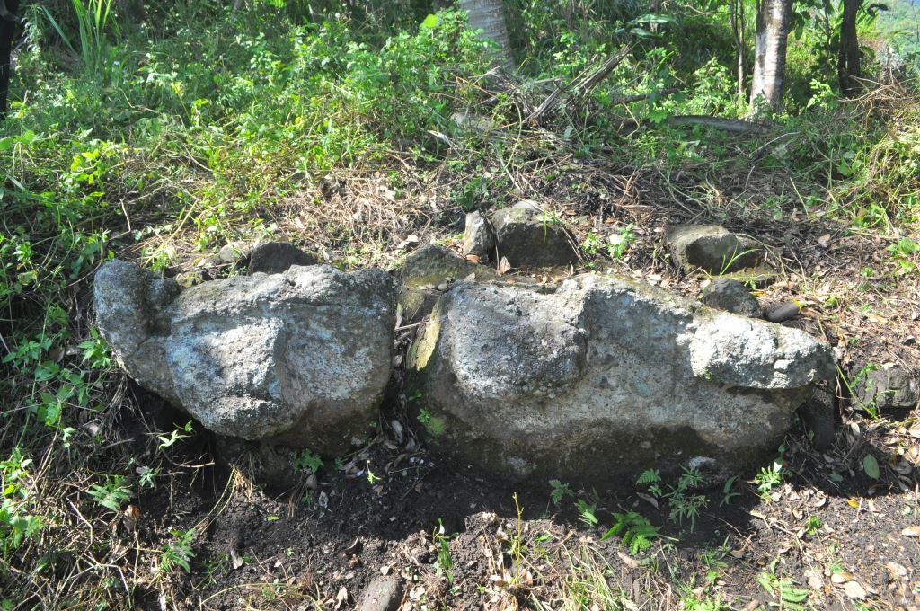 宮下II號岩棺全景