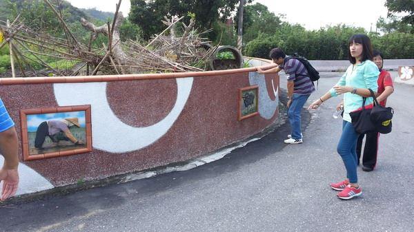 東豐社區陶板牆