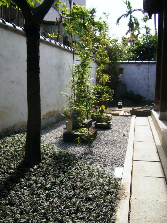 吉安慶修院庭園一角