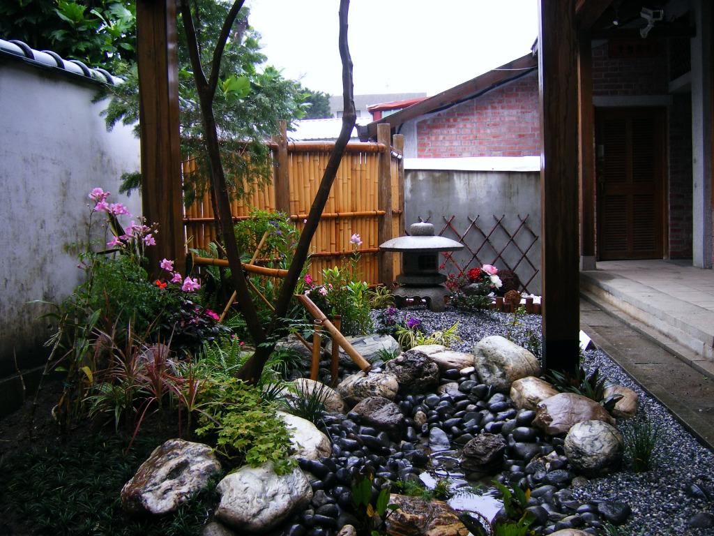 吉安慶修院雨後庭園一景