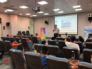 徐雲祖組長講習航空知識與飛安