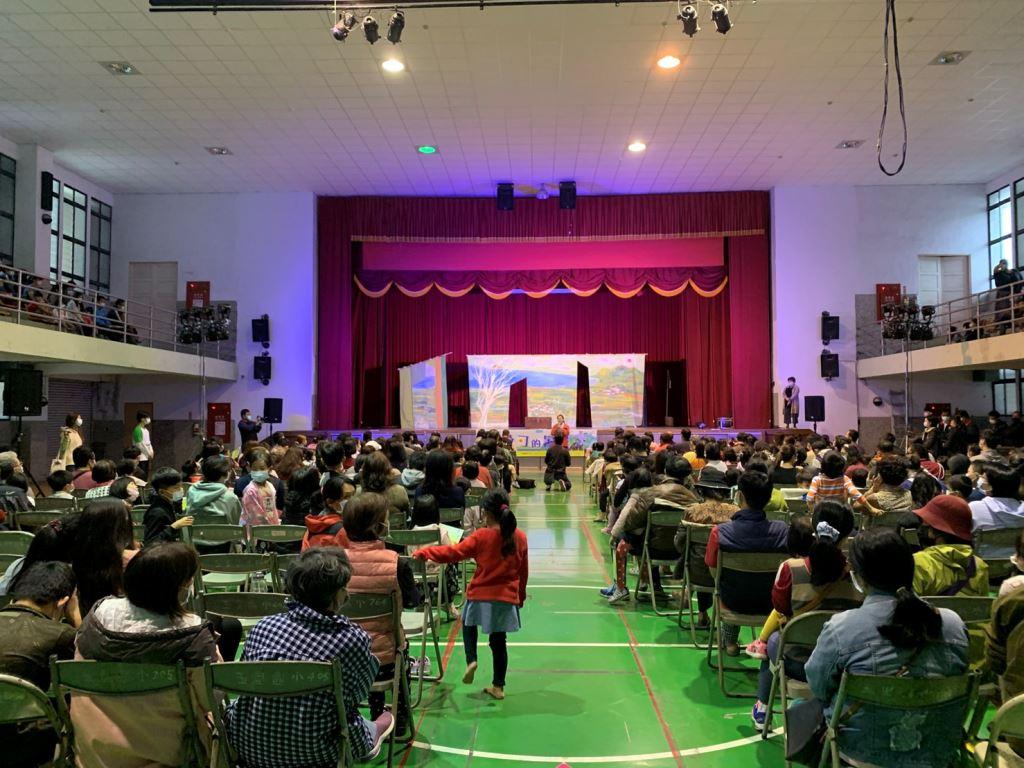 無獨有偶工作室劇團«桑可的暑假»偶劇演出(2)