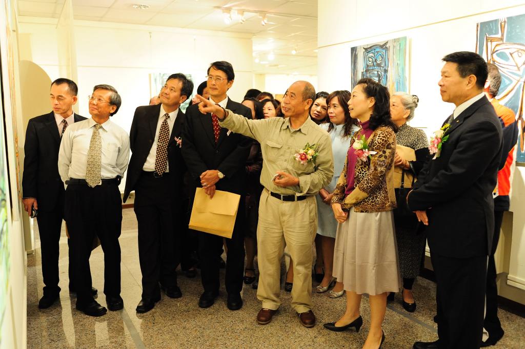 「原始世界的啟示—吳炫三原始能量的創作」開幕茶會