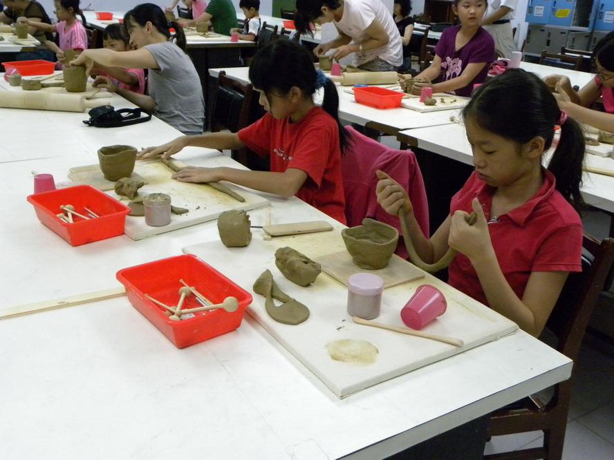 100年度藝文活動研習--手捏陶體驗研習班